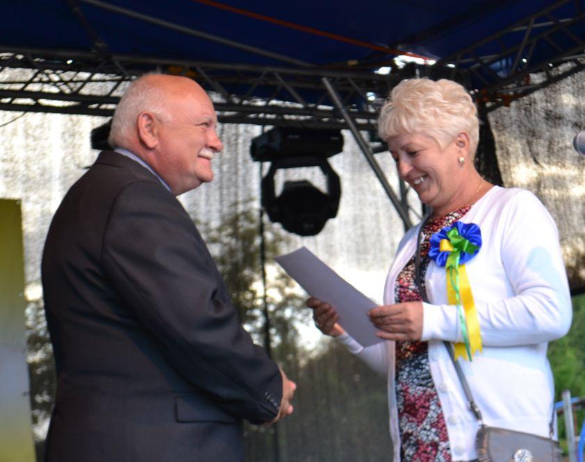burmistrz i sołtyska Szydłowca Śląskiego Bernarda Jagiełło.jpeg