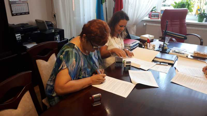 podpisanie 4.jpeg