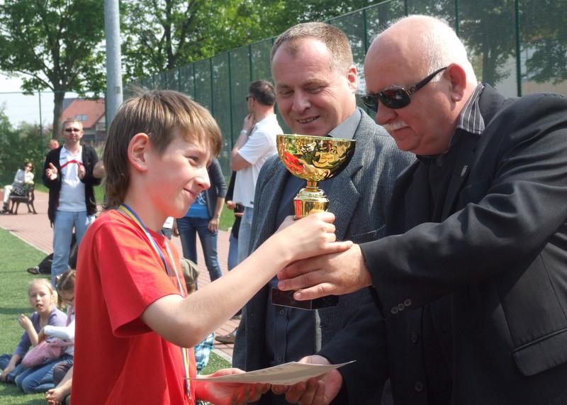 zwycięscy z Brzegu- grupa młodsza.jpeg
