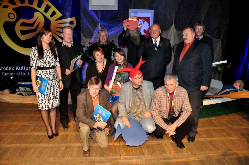 Laureaci, sponsorzy i jurorzy konkursu Karpik 2011.jpeg