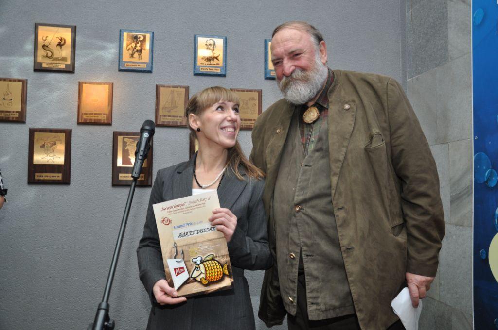 Laureatka konkursu kulinarnego Agata Dwojak z Grzegorzem Russakiem - przewodniczącym jury.jpeg