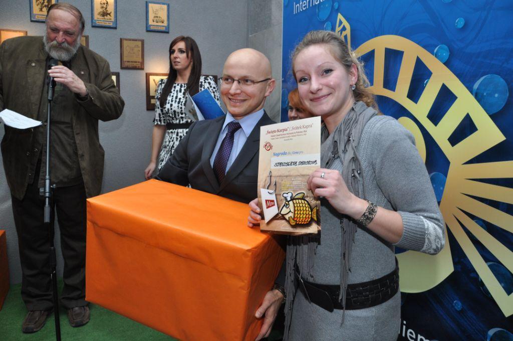Wręcznie nagród w konkursie kulinarnym.jpeg