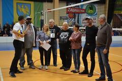 Galeria SIATKARSKIE GWIAZDY podczas meczu MISTRZA POLSKI w Niemodlinie
